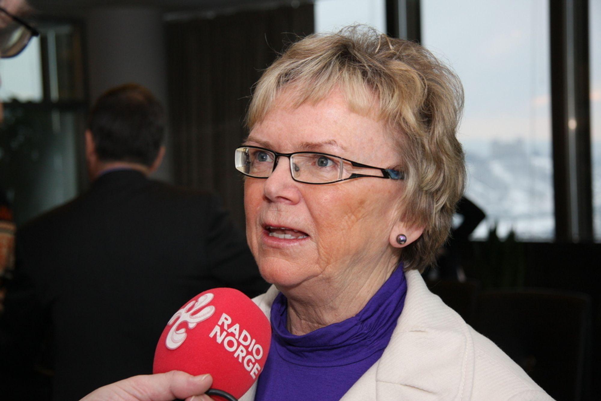 Samferdselsminister Magnhild Meltveit Kleppa søker om å overføre noe av fjorårets ubrukte samferdselsmidler til 2011-budsjettet.