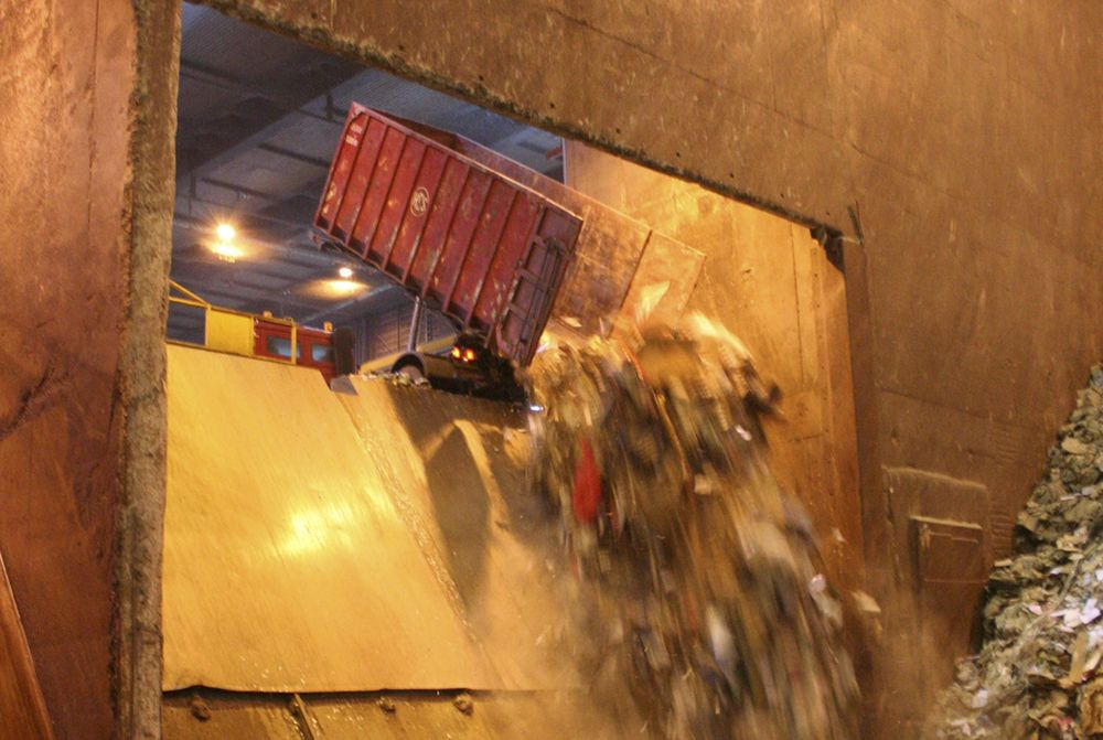 Norges regelverk for kommunale søppelmonopolers virksomhet bryter med EØS-avtalens regler for statsstøtte, mener Eftas overvåkingsorgan Esa. (Illustrasjonsfoto: ABB)