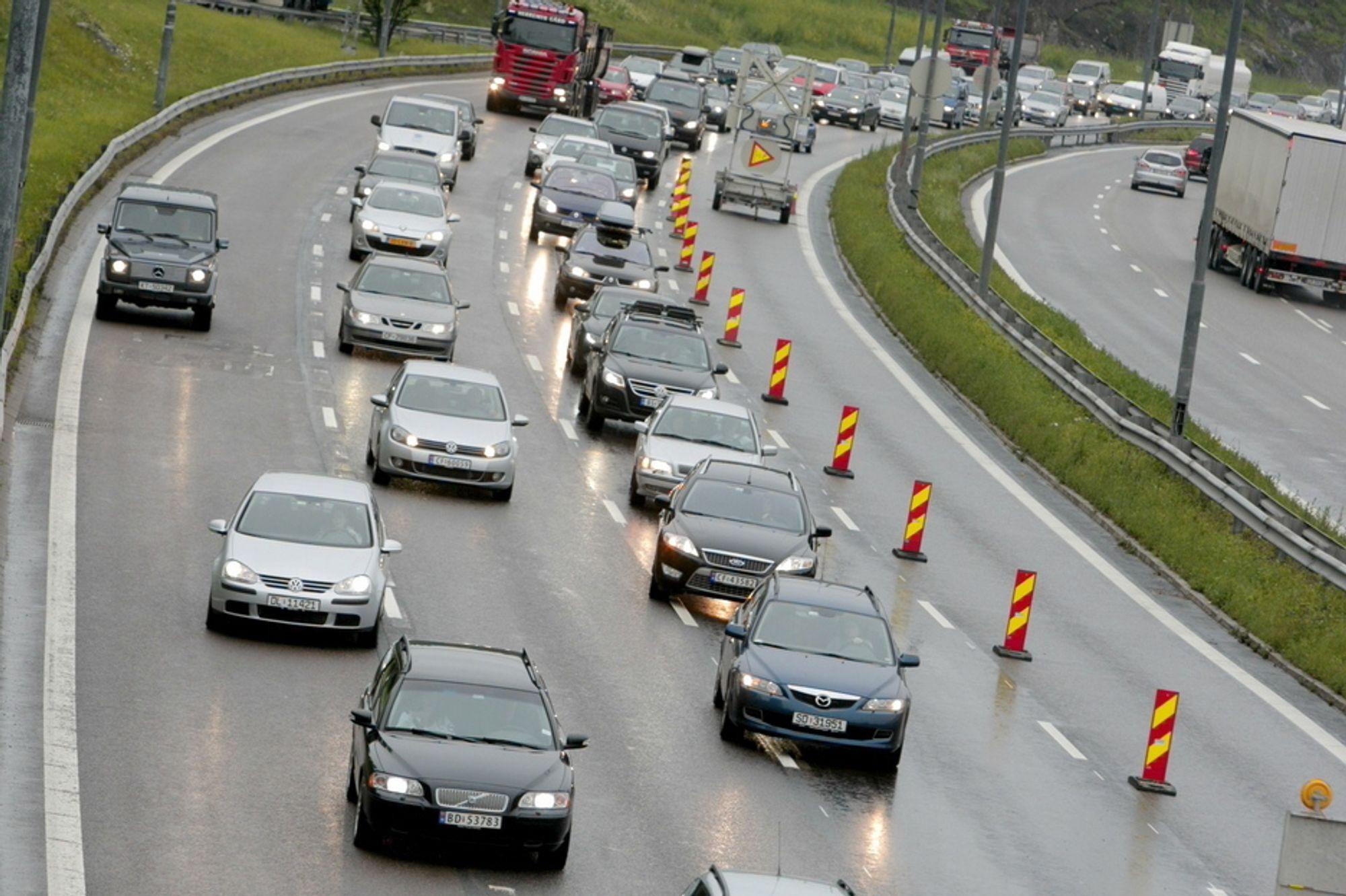 FREMTIDSVYER: I 2030 vii ikke dette kalles kø. Da blir det langt værre på veiene enn i dag.