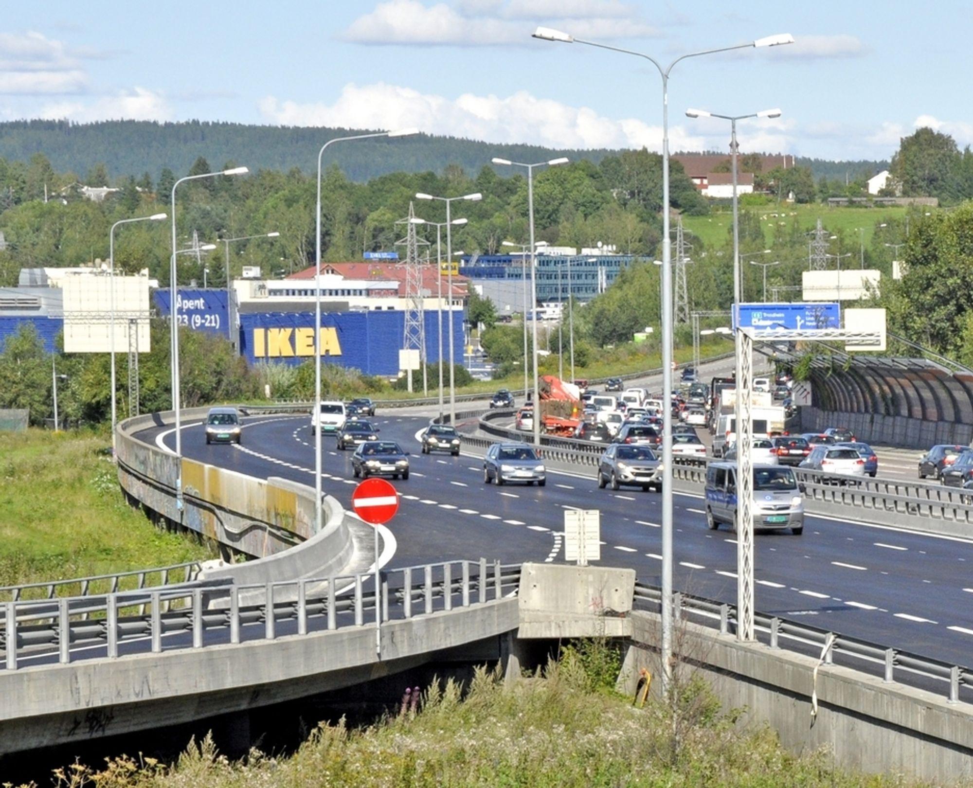 Trafikken på E 6 går som normalt igjen etter at vestgående løp på Stubberudmyra bru ble gjenåpnet. Man må se godt etter for å oppdage at E 6 går over en bru her.