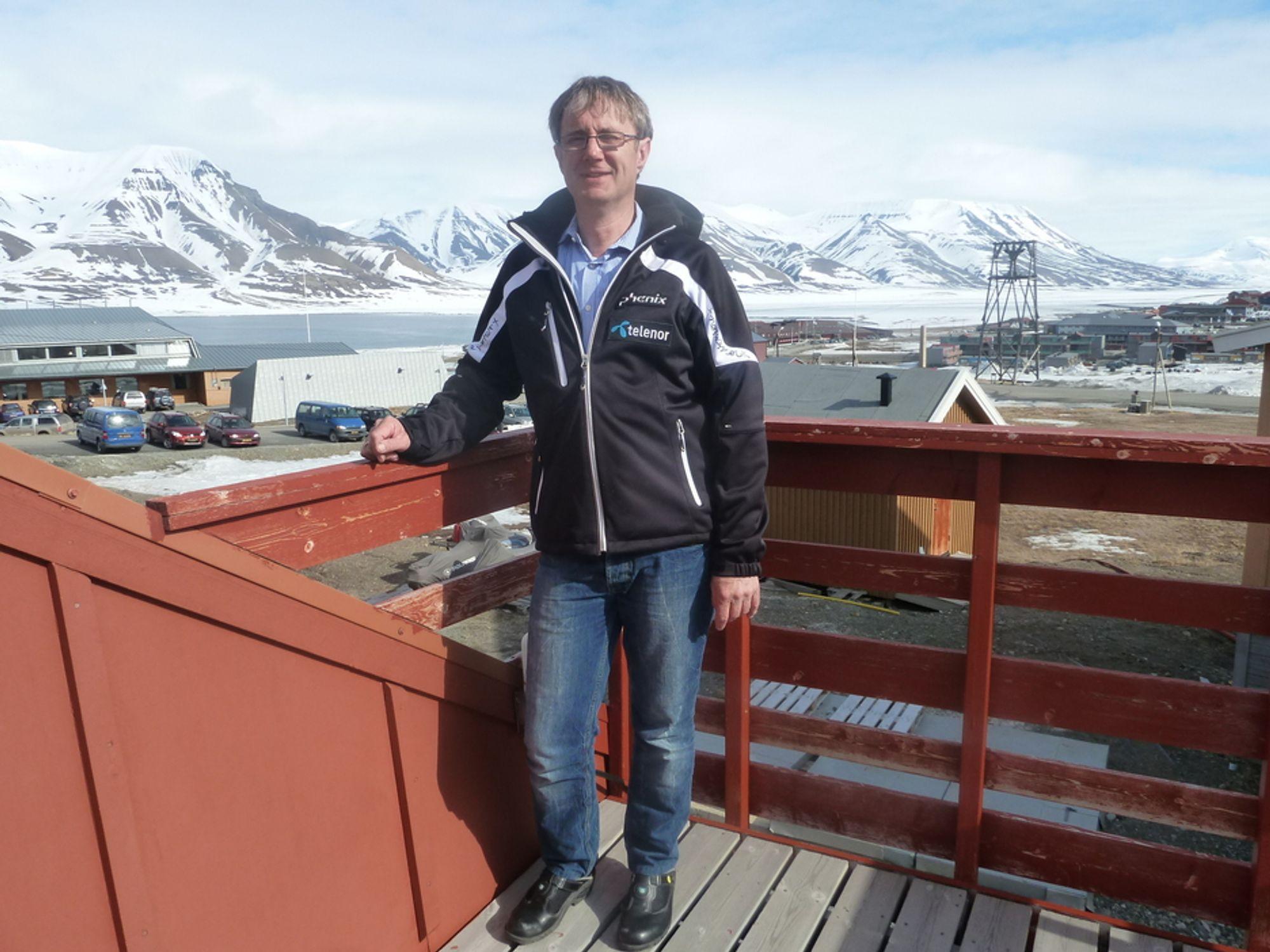 START: Søndag kunne Telenor og dekningsdirektør Bjørn Amundsen starte opp 4G-nettet i Longyearbyen.