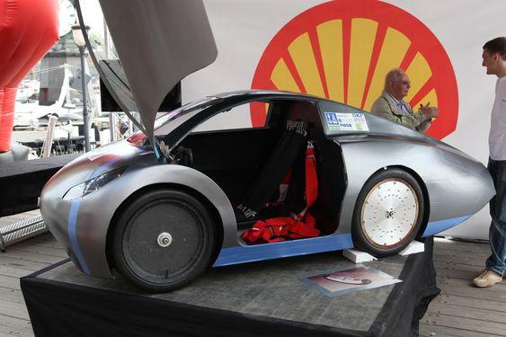 DNV Fuel Fighter er verdensrekordholder for hydrogenbiler i Shell Eco-marathon. De maktet imidlertid ikke slå sin egen rekord i år. Her fra en presentasjon på Aker Brygge tidligere i år.
