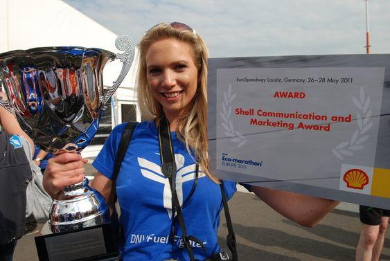 Silje Owrenn førte laget DNV Fuel Fighter til topps i konkurranse om kommunikasjonsprisen under Shell Eco-marathon
