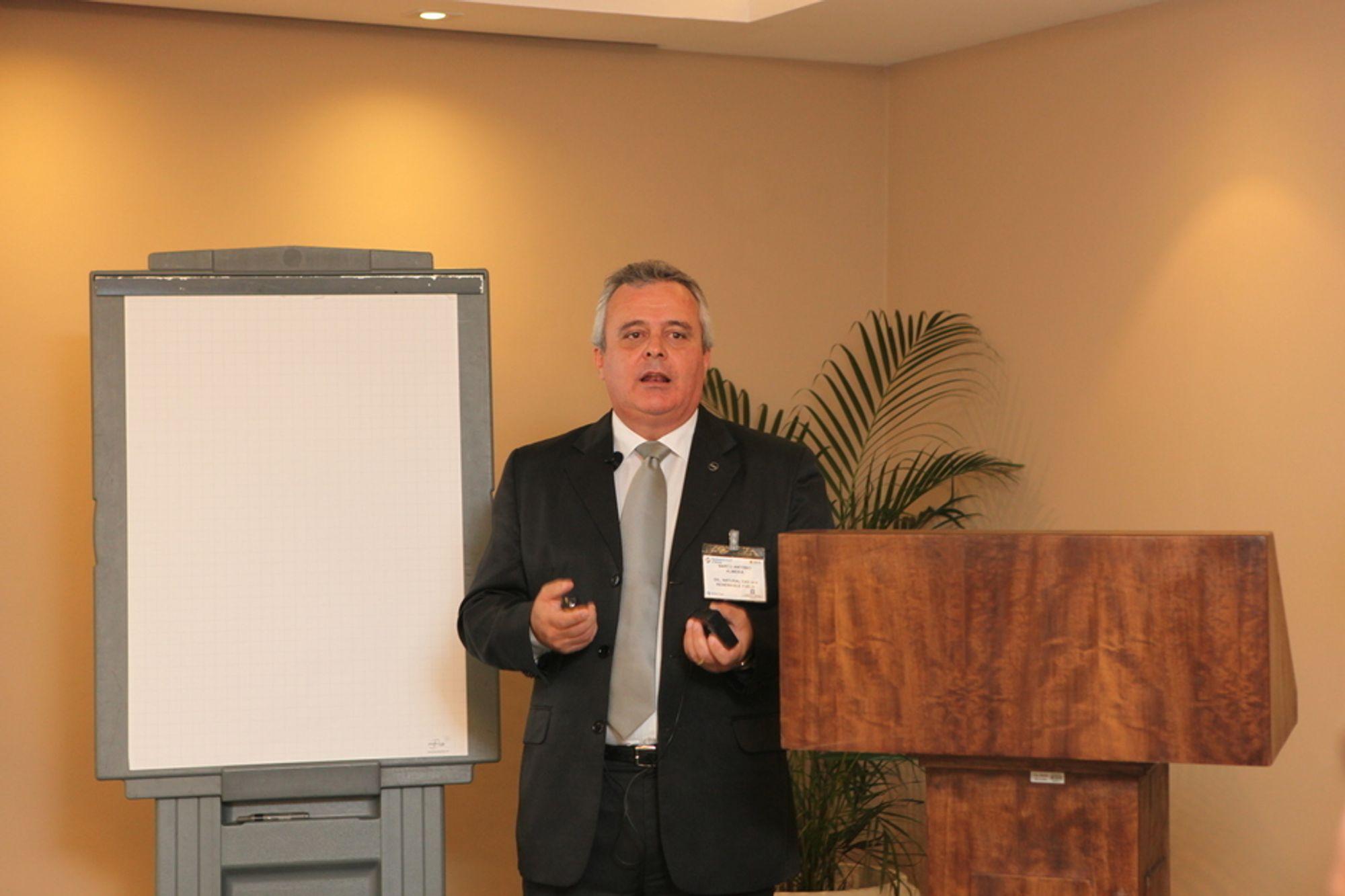 Minister for olje, gass og fornybar energi, Marco Antonio Almeida, ønsker norsk kompetanse til Brasil.