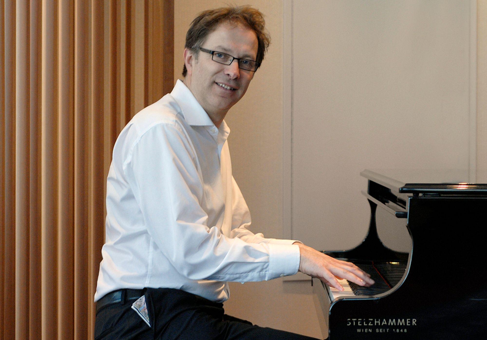 HAR NOK TANGENTER: Konserndirektør Gunnar G. Løvås i Statnett har mange tangenter å spille på for å få kraftsymfonien til å gå opp, og han ønsker ikke ytterligere en som Naturvernforbundet forsøker å prakke på ham.