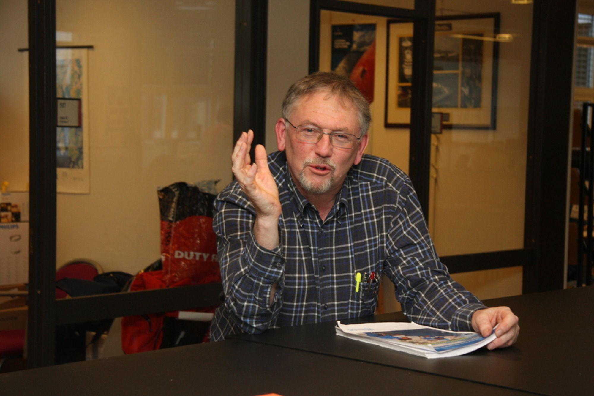 NEGLISJERT: Overlege Jan Vilhelm Bakke er bekymret over at helsekonsekvenser av regler og tiltak for energisparing i bygg sjelden eller aldri blir vurdert. Han mener påbud om konsekvensvurderinger blir neglisjert.