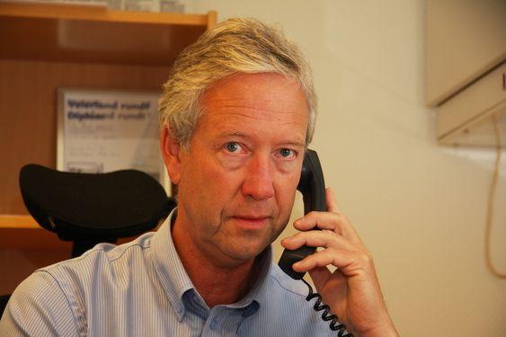 LOBBY: Generalsekretær Reidar Kjelsrud i Kongelig Norsk Båtforbund vil ha påbud om bruk av redningsvest i åpne båter. Han mener også at Statens havarikommisjon må granske flere ulykker med fritidsbåter.