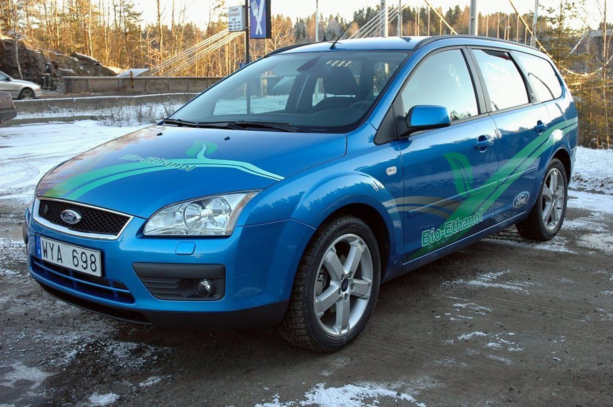 NYBILER: Salget av nye biler som kan gå på flere typer drivstoff, flexi fuel vehicles, øker. 94 prosent av alle Ford Focus solgt i Sverige skal ha denne muligheten.