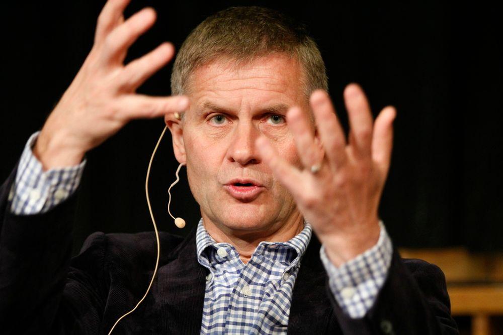 Miljøvernminister Erik Solheim (SV) lover å ta nye grep for å få ned norske utslipp av klimagasser. Her fra et engasjert innlegg under Idéfestivalen i Oslo sist helg