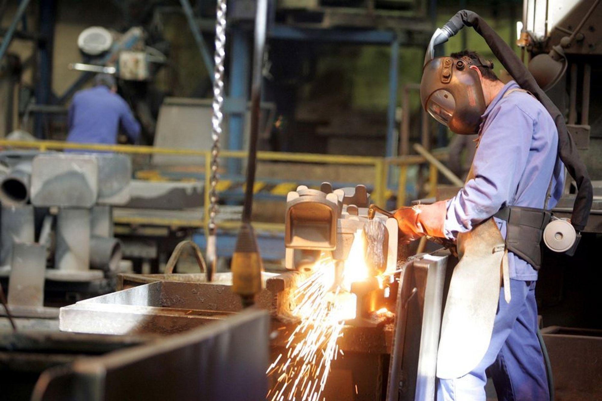 Industribedriftene forventer økt lønnsomhet, men vil ikke investere i 2011.