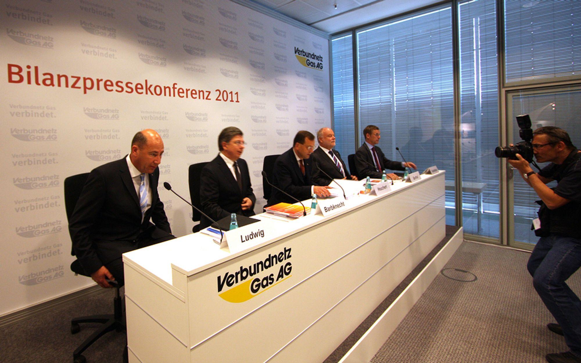 SKUFFENDE: Ledelsen i VNG fikk mange kritiske spørsmål fra tyske journalister etter det skuffende årsresultatet.