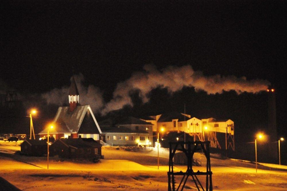 FORURENSER: Energiverket fyres med kull fra Gruve 7 og gir Longyearbyen fjernvarme og strøm.