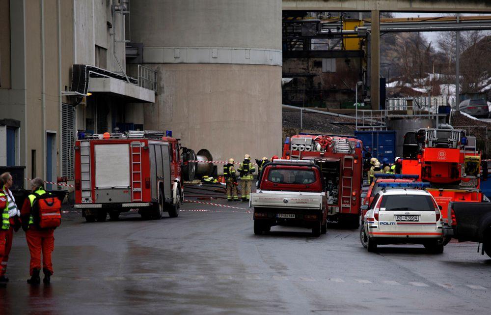 ALVORLIG: En brann i et metallrør førte til eksplosjonen ved Xstrata Nikkelverk tirsdag i forrige uke da en 18 år gammel mann døde.