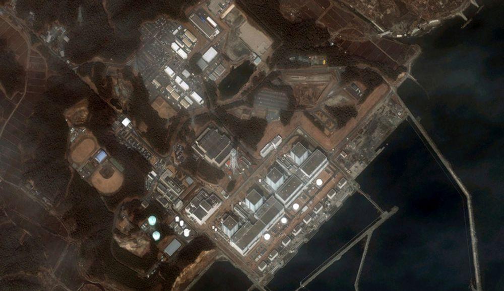Satellittfoto av det jordskjelvrammede kraftverket Fukushima-Daiichi.