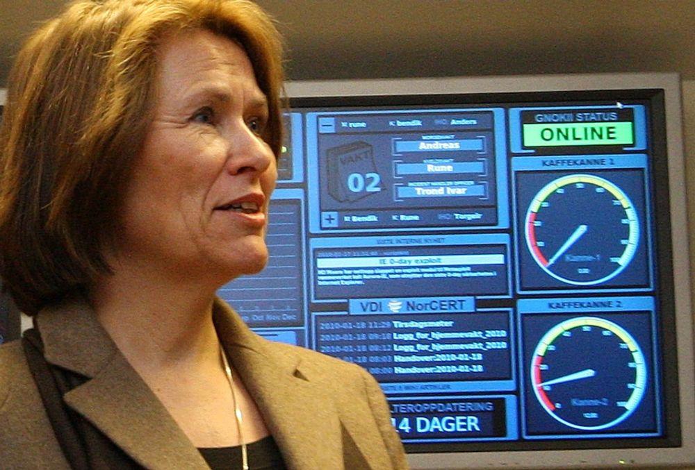 STYRKE: Forsvarsminister Grete Faremo vurderer å styrke virksomheten til Norcert.