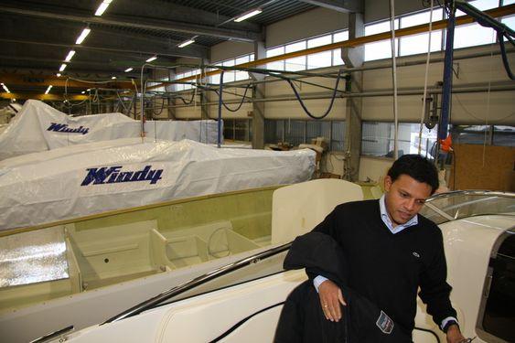 TREND: Morten Haakstad opplever at kundene krever mer og mer utstyr.