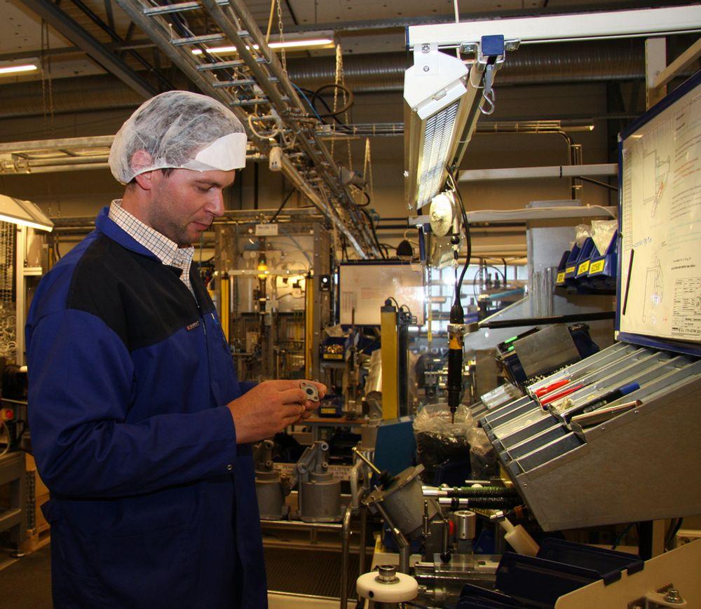 MER Å GJØRE: De ansatte ved Kongsberg Automotive får mer å gjøre i årene framover. Her fra en tidligere anledning på Hvittingfoss.