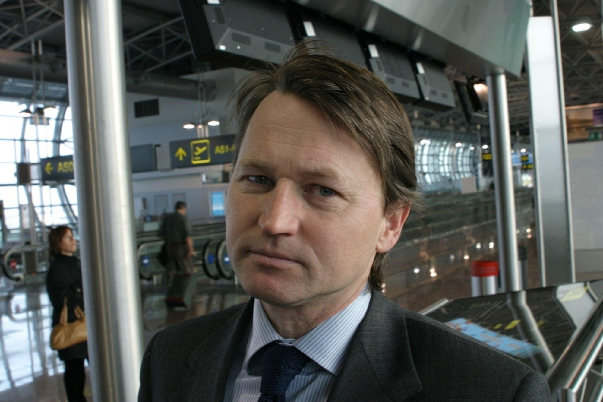 FORSVARER FORNYBARDIREKTIVET: EU-entusiasten Paal Frisvold mener økonomiprofessor Michael Hoel misforstår intensjonen bak EUs fornybardirektiv.