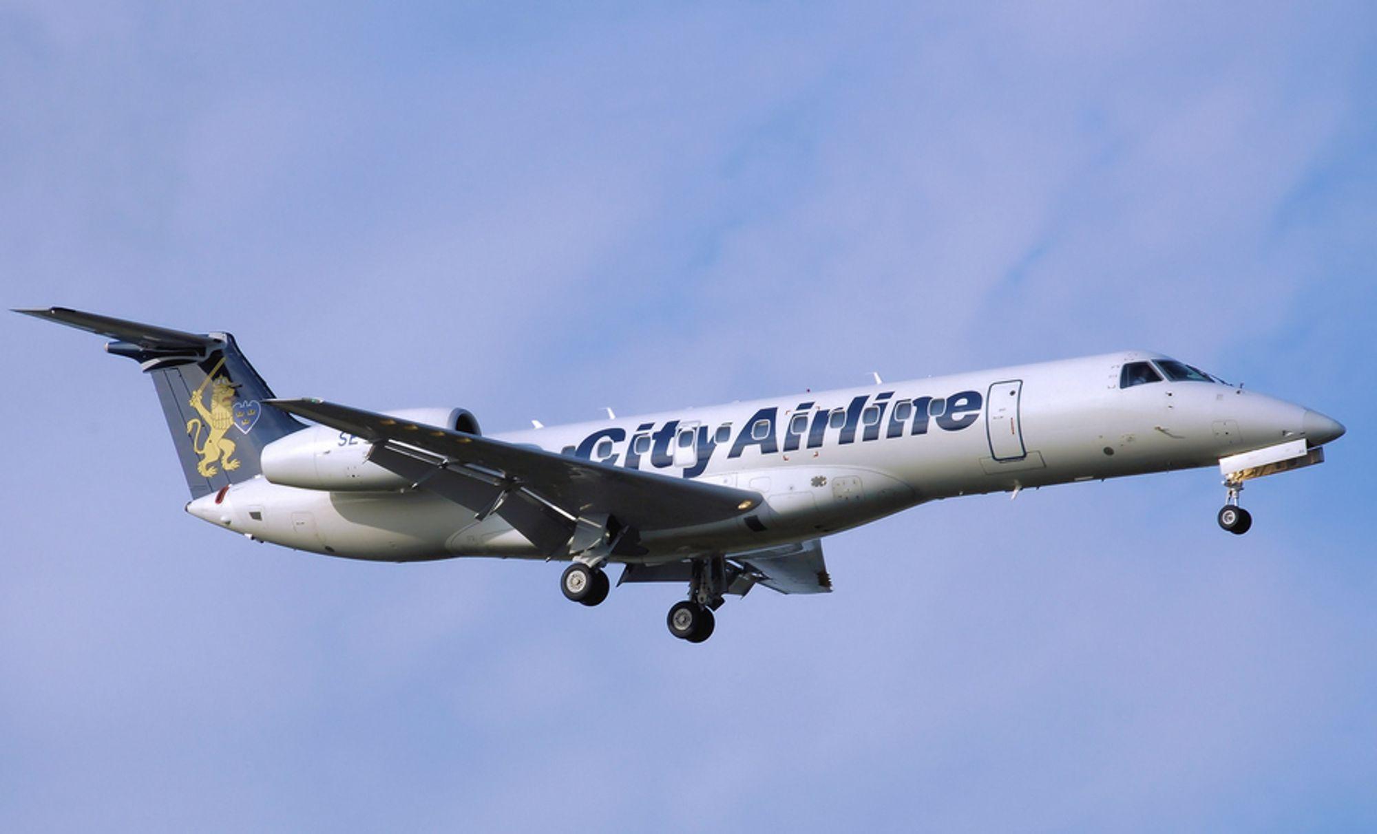 City Airline har sju Embraer ERJ 135-145-fly. Årsaken til trykkfallet passasjerene opplevde i kabinen på vei fra Göteborg til Umeå er fortsatt uklar.