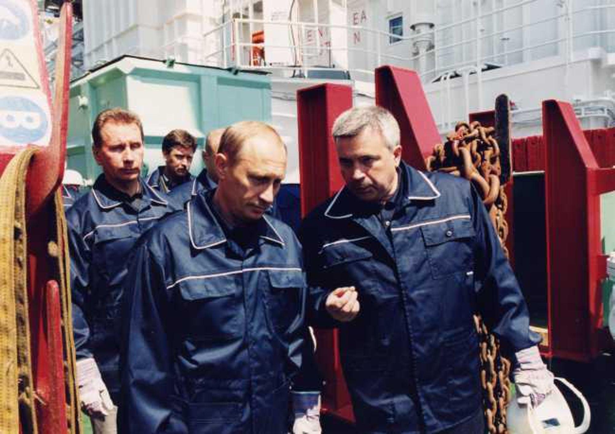 MAKTPERSON: Lukoil-sjef Vahid Alekperov og Russlands statsminister Vladimir Putin. Nå er Lukoil prekvalifisert som operatør på norsk sokkel.