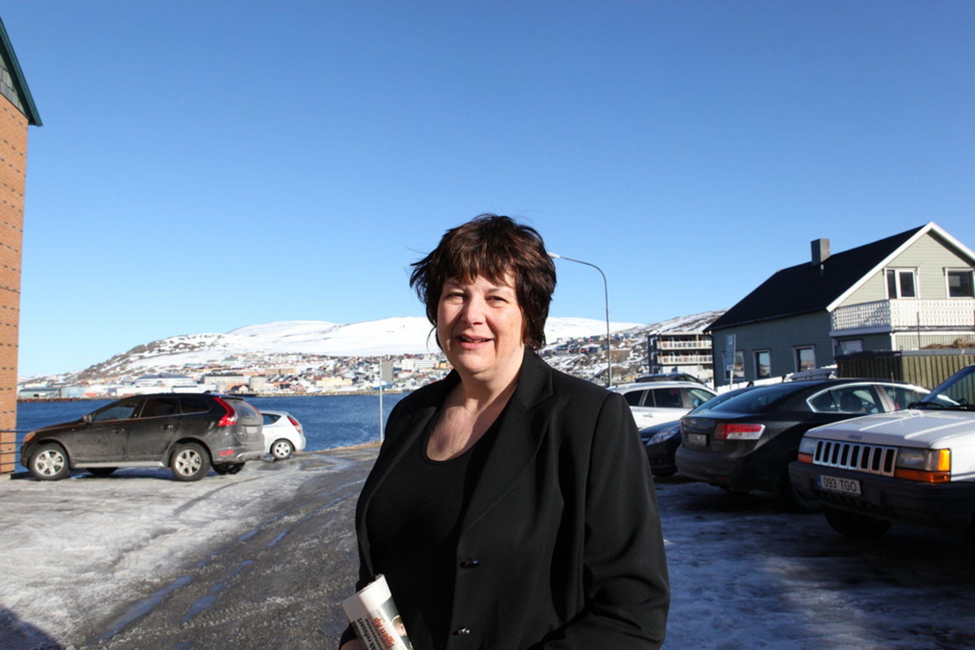 Oljedirektør Bente Nyland vil ikke ha noen ny navnepolitikk på norsk sokkel.
