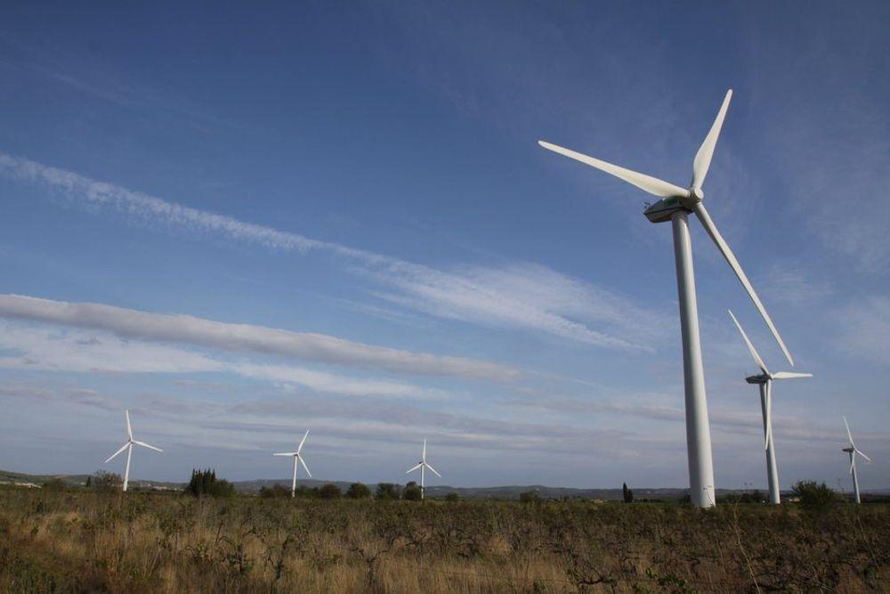 SERTIFIKATER: Vindkraft er blant energiformene som kan dra nytte av grønne sertifikater. Men for å redusere utslipp er det mer effektivt å kjøpe og ødelegge klimakvoter.