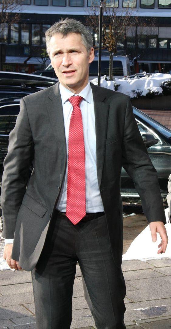 Statsminister Jens Stoltenberg på besøk hos Concedo ved daglig leder Geir Lunde i Asker.
