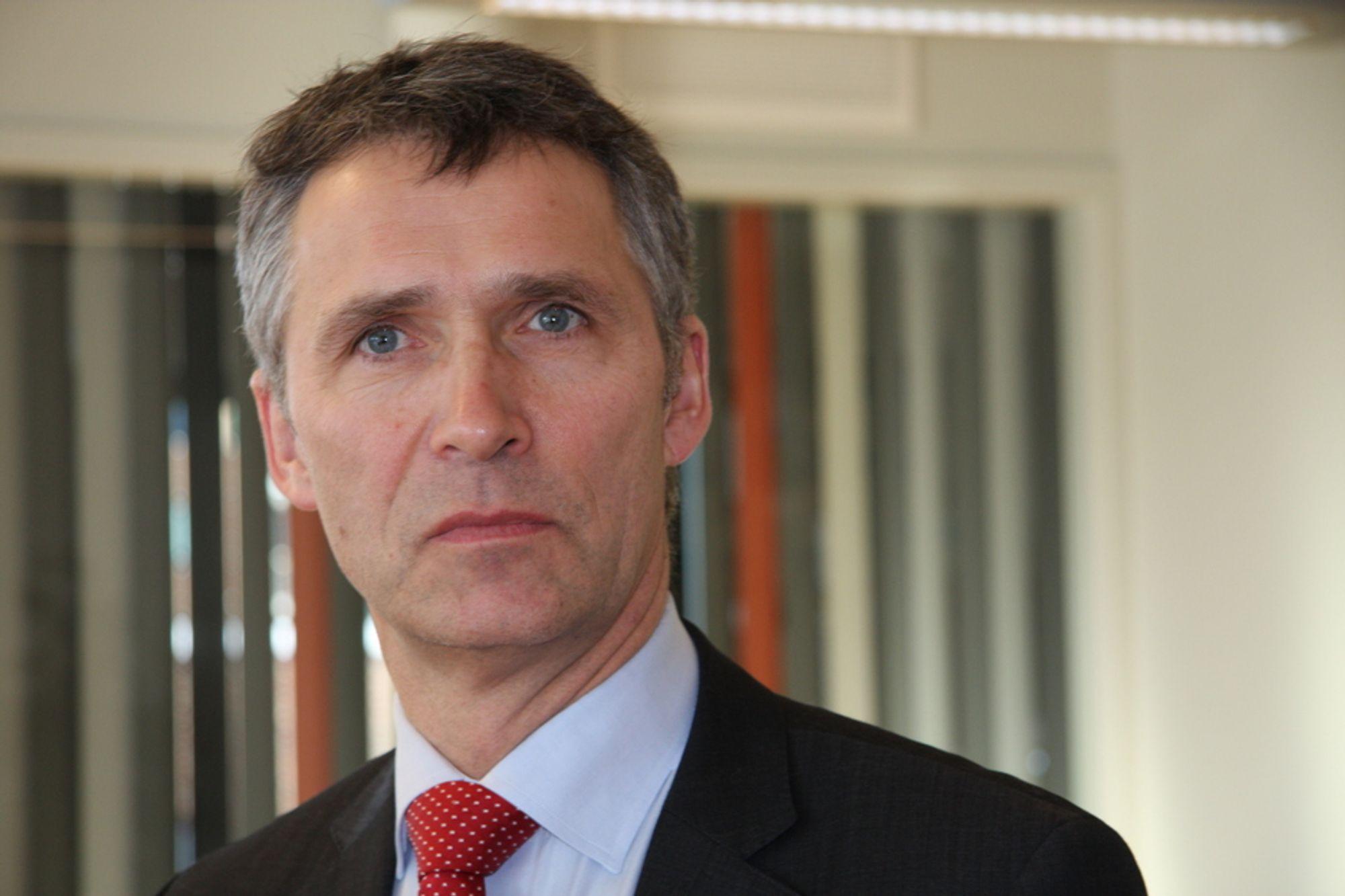 NEI: Regjeringen og statsminister Jens Stoltenberg sier nei til konsekvensutredning denne stortingsperioden. Vedtaket er en viktig politisk seier for Senterpartiet og SV.