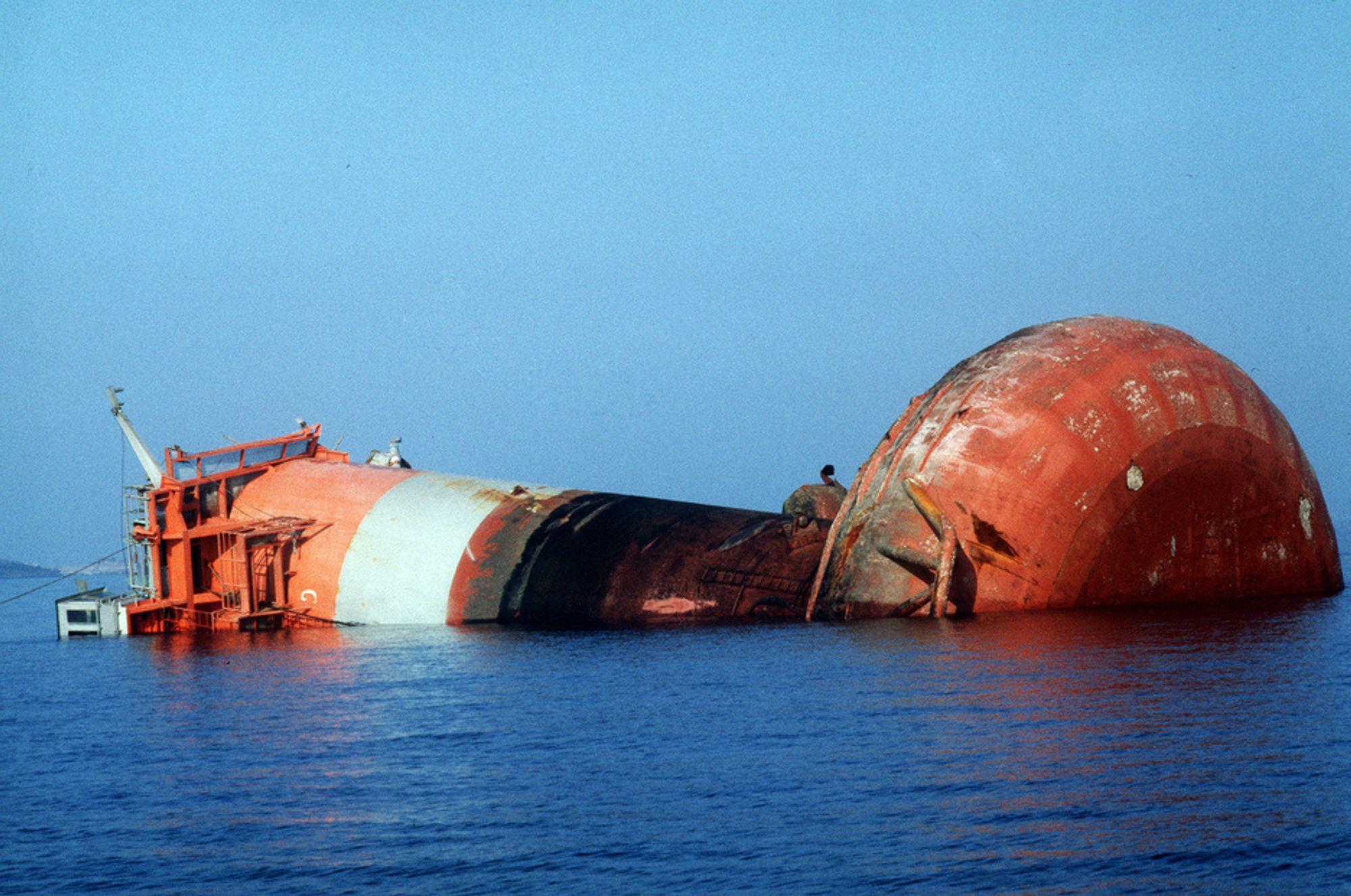 """IKKE IGJEN: """"Alexander L. Kielland""""-plattformen kantret 27. mars 1980 på Ekofiskfeltet i Nordsjøen. 123 mennesker omkom. Offshorearbeidere frykter at helsevesenet ikke kan håndtere en storulykke dersom noe skulle skje i Norskehavet."""