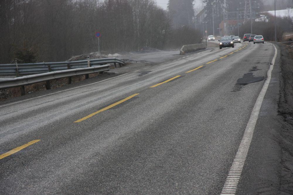 UTGÅTT PÅ DATO: Dette er E18 gjennom Hobøl i Østfold, en av norges mest trafikkerte veier.