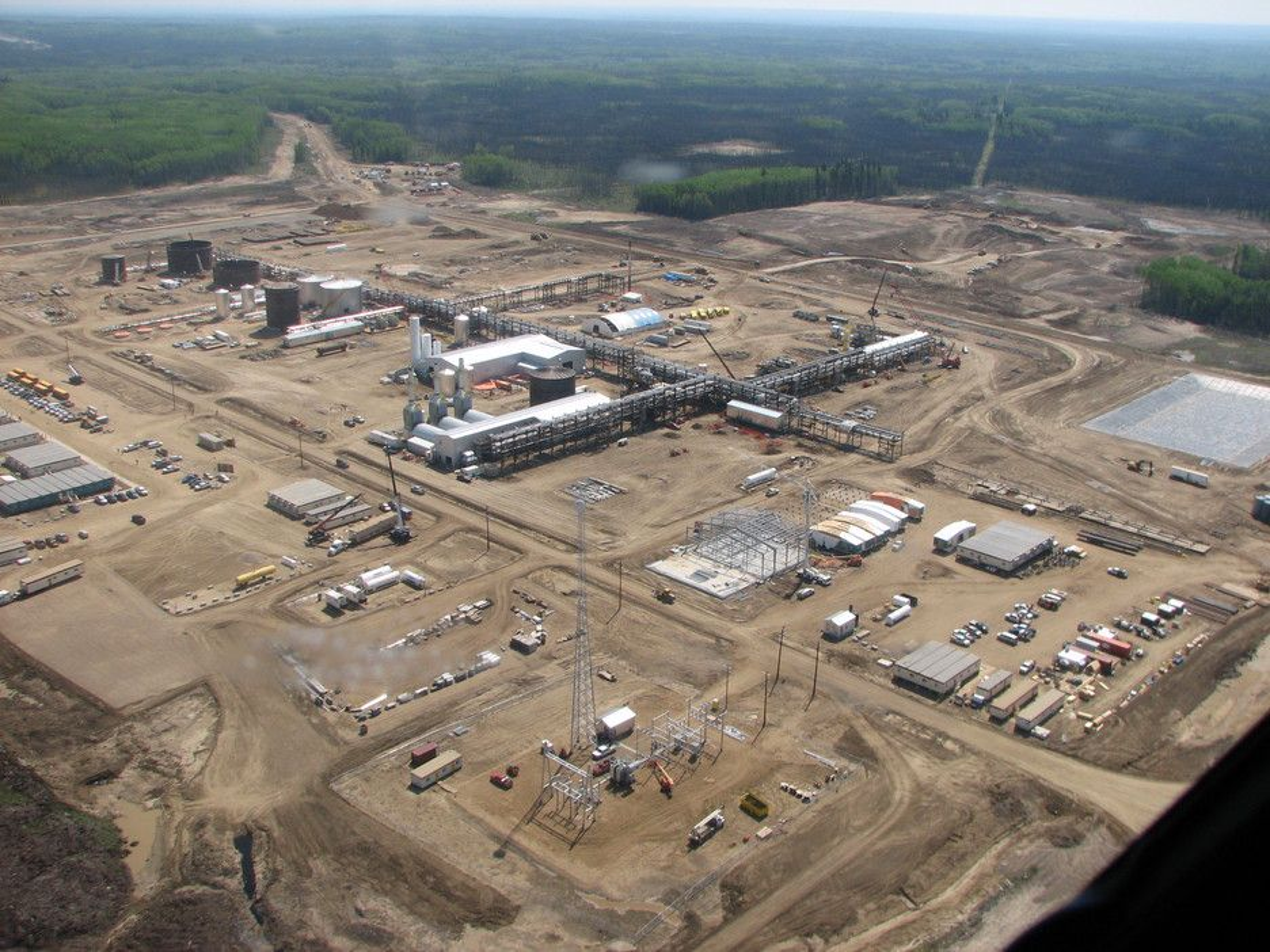 Statoil har passert en million fat produsert oljesand i Canada.