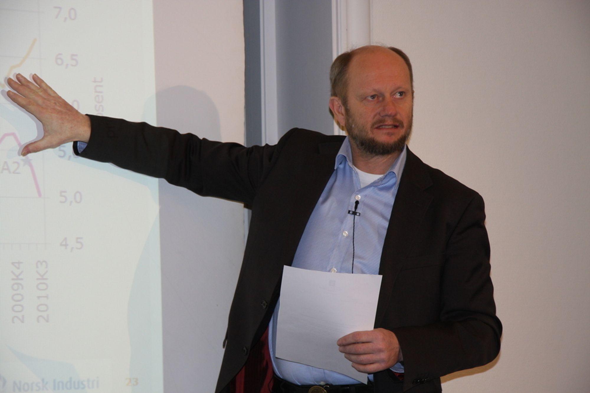 RENTEKUTT RAMMER: - Når forskningsfondet plutselig får redusert muligheten til å investere i forskningsprosjekter med opp mot 400 millioner kroner vil veldig mye av den brukerstyrt forskningen bli rammet, sier direktør Stein Lier-Hansen i Norsk Industri.