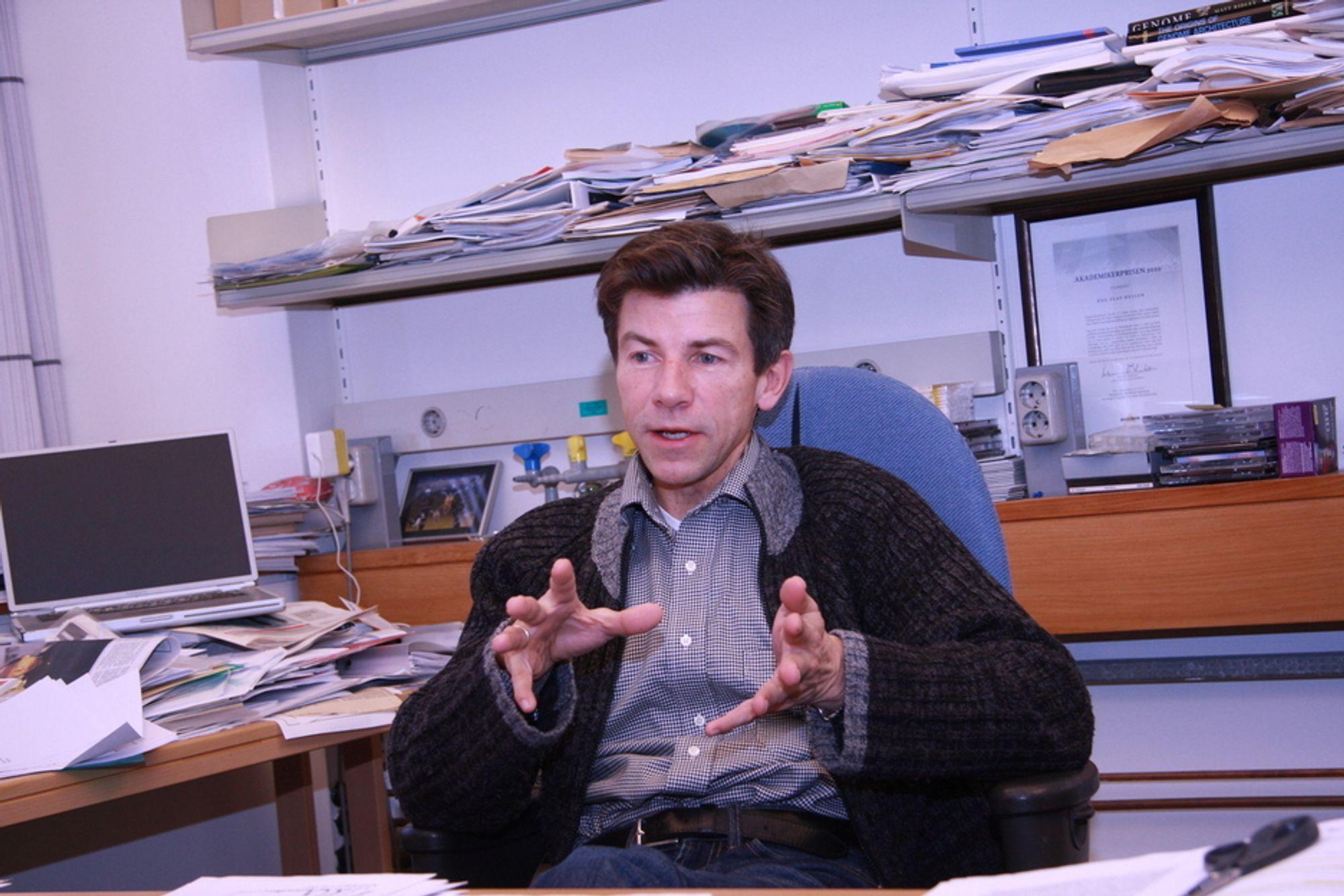 Jorda vil neppe få oppleve en ny intelligent livsform om mennesket blir borte, sier biologiprofessor Dag Hessen.
