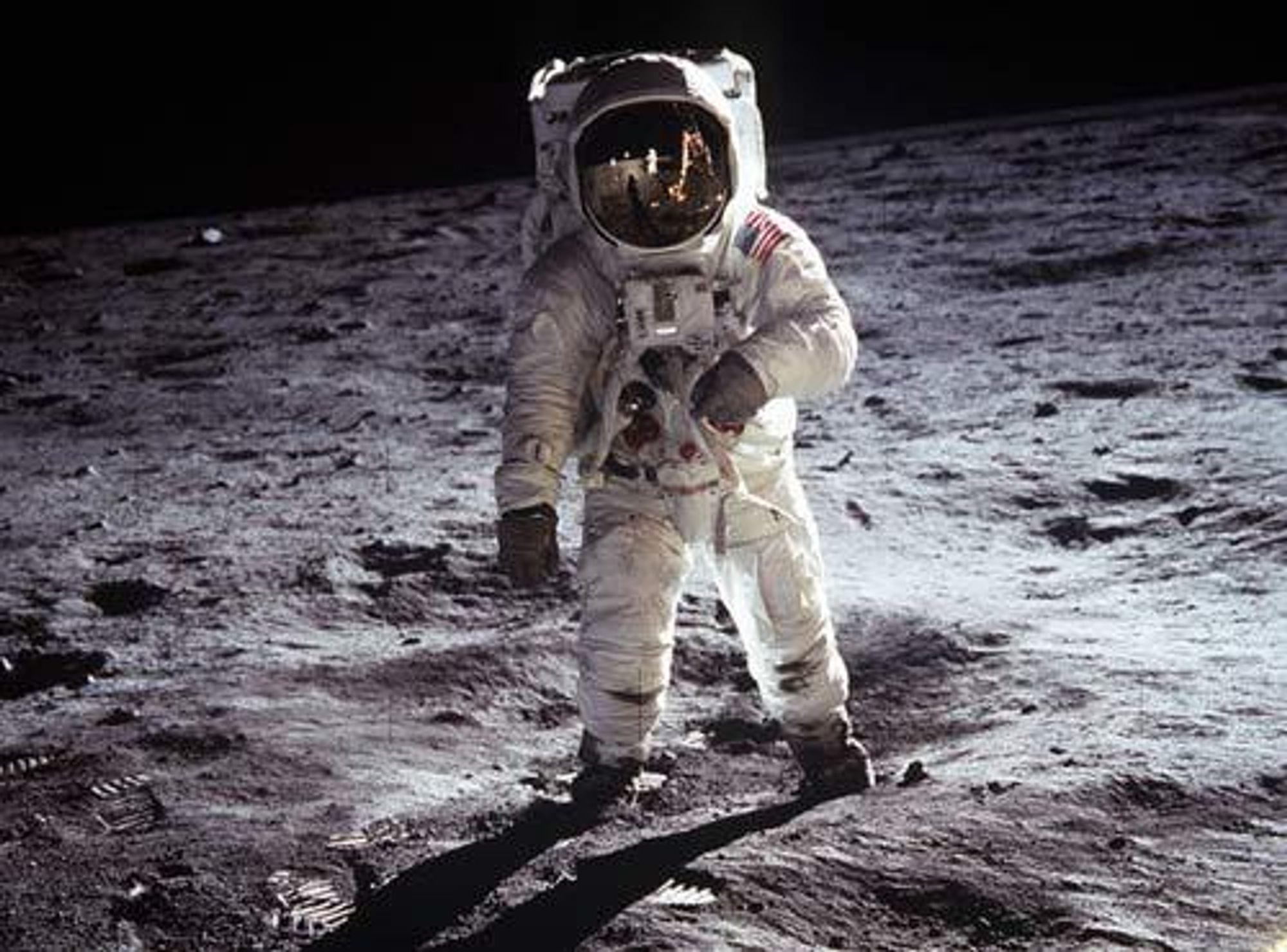 Astronaut på Månen.