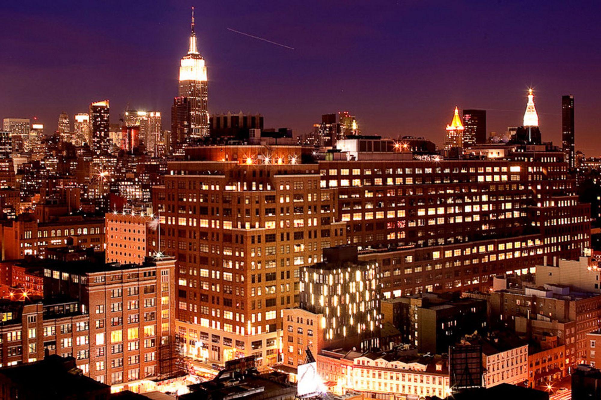111 8th Avenue - Googles nye signalbygg på Manhattan. Bygget okkuperer et helt kvartal og har et areal på rundt 275 000 kvadratmeter.
