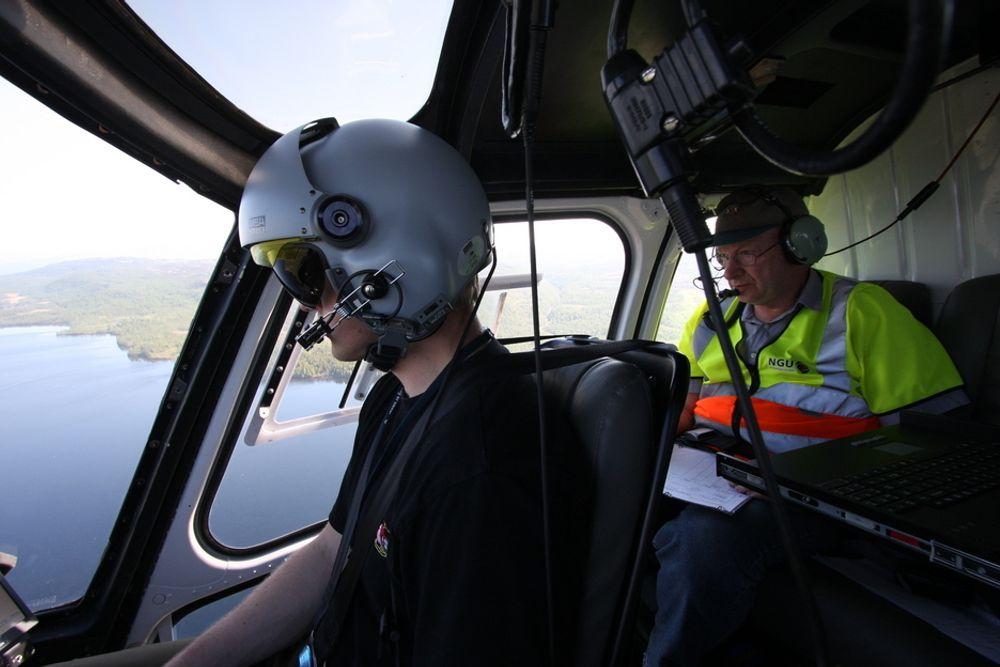 Bildet er tatt da Teknisk Ukeblad var med NGU på geofysisk kartlegging i Mauken-området i Troms i 2011.
