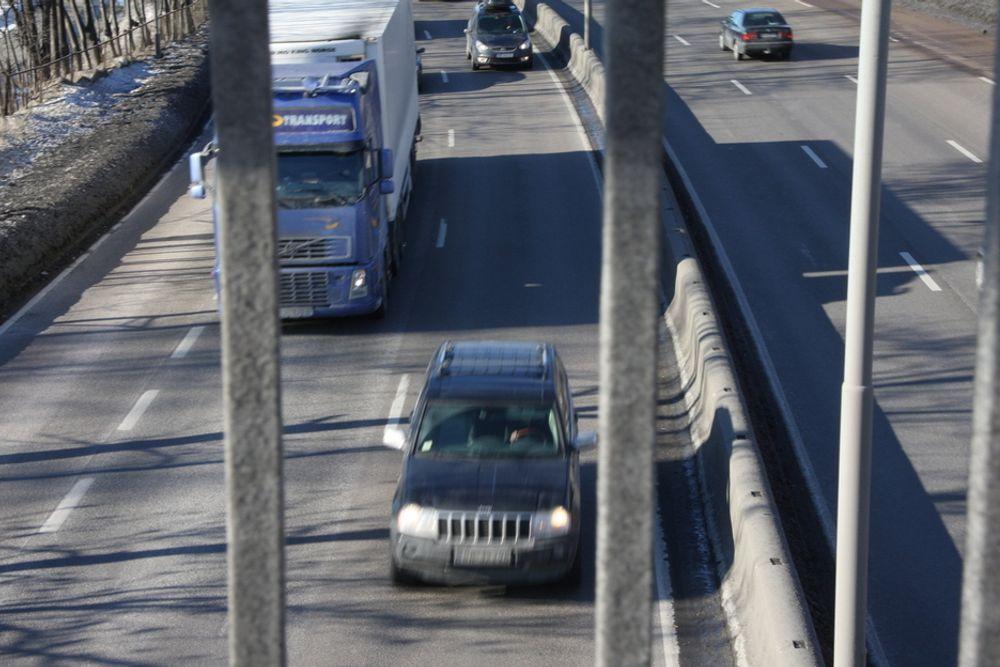 SIKKERHET: Vegdirektoratet vil ha tilgang til trafikkdata fra private baser, som Tomtom og Garmin, for å øke trafikksikkerheten og minske køene.
