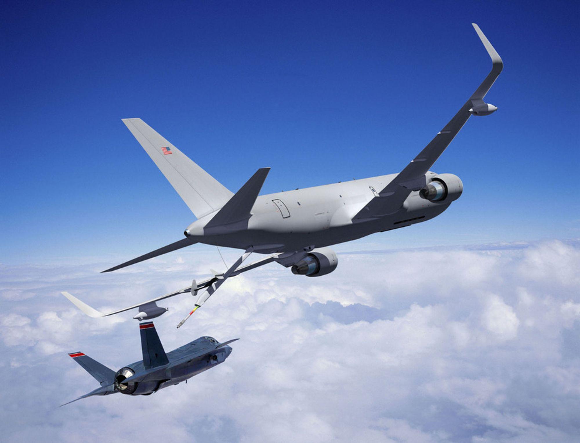 Boeing slapp nye illustrasjoner av de kommende tankflyet KC-46A etter at de vant kontrakten med US Air Force. Her er det et F-35-kampfly, som Norge har planer om å kjøpe, som skal etterfylle drivstoff i lufta.