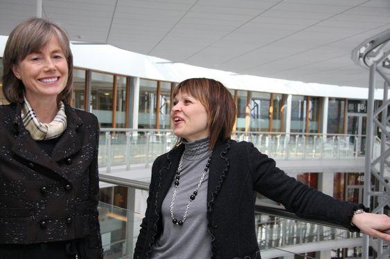 EXPONERING: Konserndirektør Valborg Lundegaard og prosjektleder Maria Peltokangas fra Aker Solutions vil vise ungdom og andre hva norske ingeniører kan få til i det nye Engineering Expo. Det åpner i april 2012.