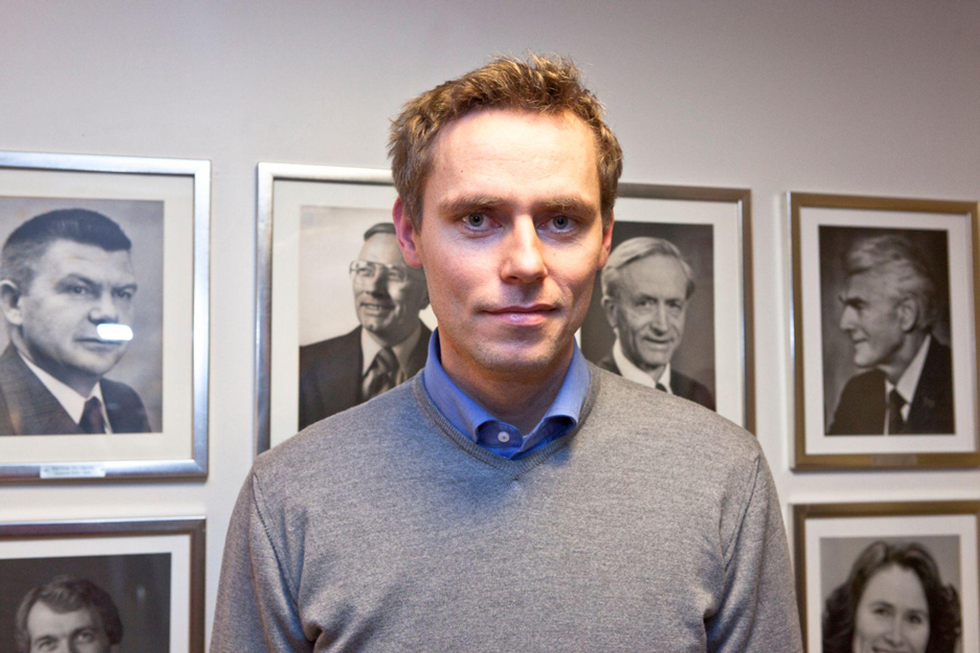 Norges nye olje- og energiminister Ola Borten Moe mener ulykken i Japan vil påvirke Norge som energinasjon, og er skeptisk til strømeksporten.