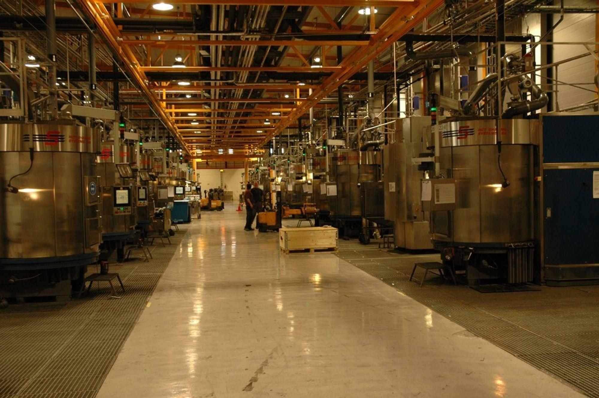 KUTTER MER: 60 prosent av RECs fabrikk på Herøya i Grenland stenges midlertidig. Det rammer 200 ansatte.