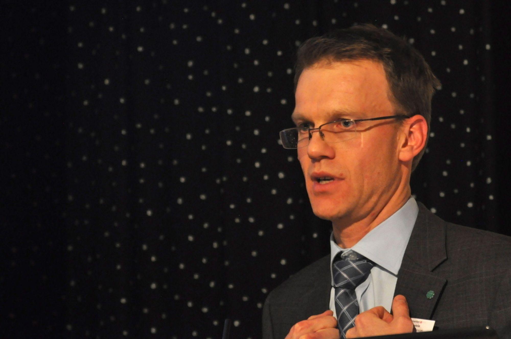 MINERALMANN: Erik Lahnstein er spydspiss for mineraleventyret i Det høye nord.