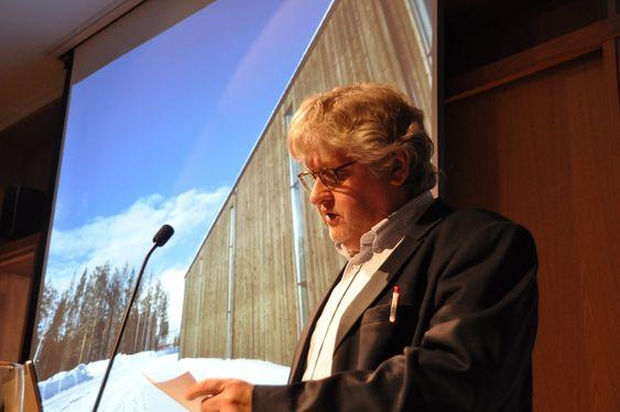 BEGRUNNELSE: Juryleder og rektor ved Arkitektur- og designhøgskolen i Oslo, Karl Otto Ellefsen, forteller om de nominerte.