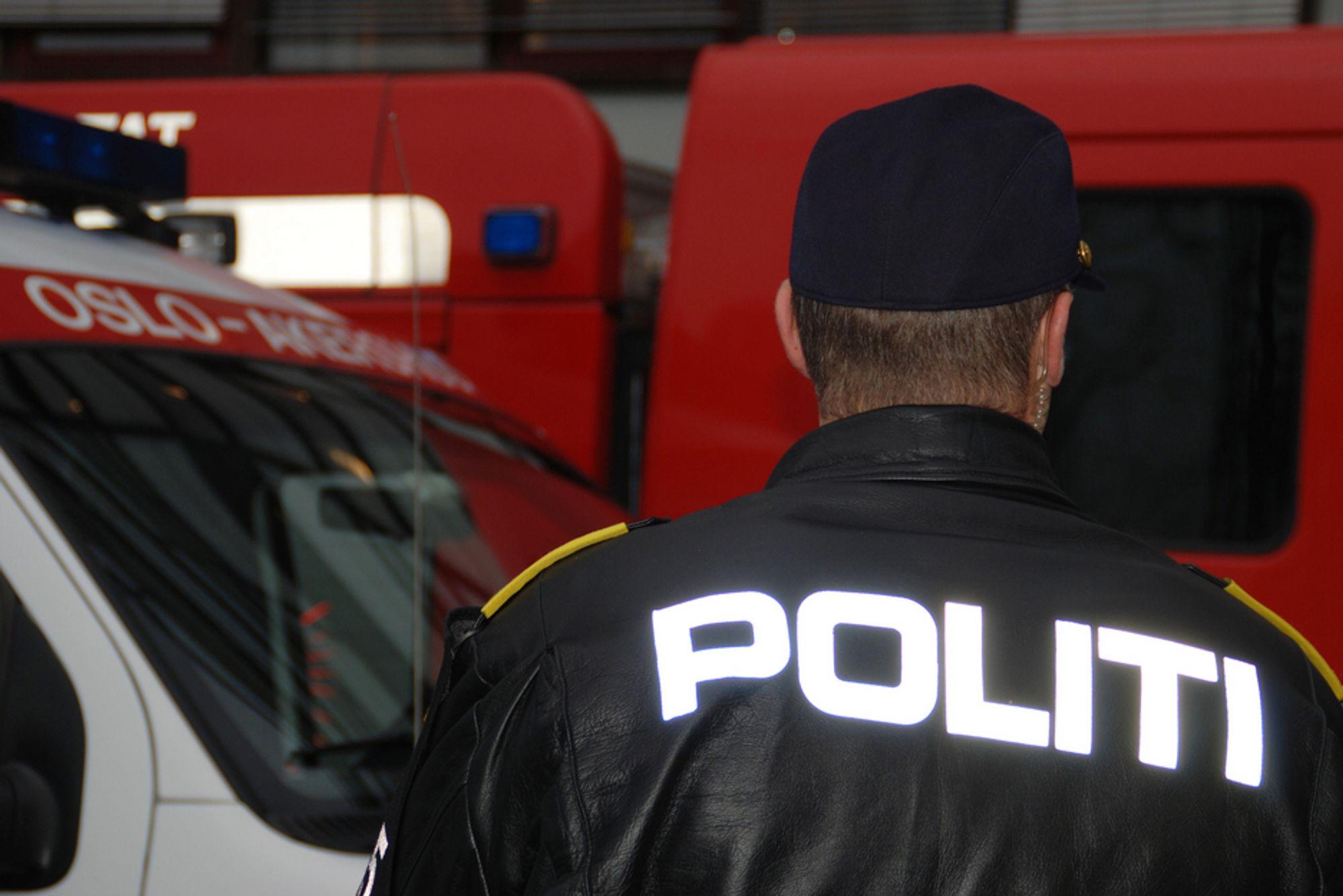 Kan kreve væpnet politi