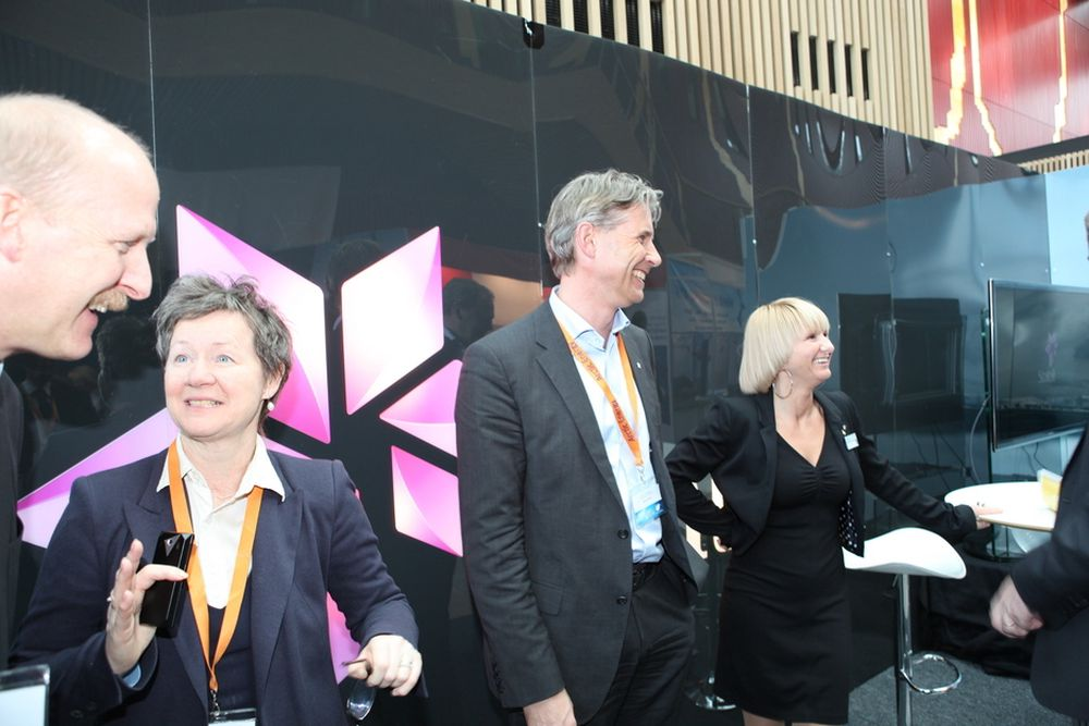 Optimister: Det var stor stemning på Statoils stand på Barentshavkonferansen i Hammerfest forrige uke. Letedirektør Gro Gunleiksrud Haatved nummer to fra venstre.