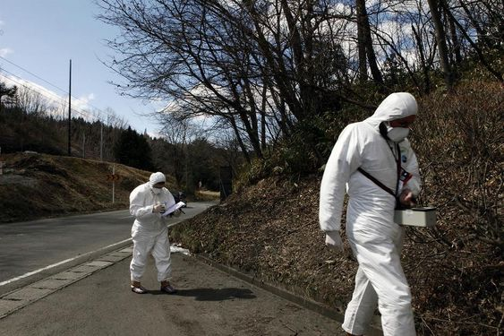 Fukushima,  Japan, 4 april 2011 Greenpeace nuclear campaigner Jan Van De Putte and Nikki Westwood monitor radiation outside the city  of Fukushima, 60 km from the stricken Fukushima Daiichi nuclear power plant. Greenpeace is working in the area to monitor radioactive contamination of food and soil to estimate health and safety risks to the local population. ID:GP02CDCJapan Nuclear DisasterFukushima, Japan, 4 april 2011 Greenpeace nuclear campaigner Jan Van De Putte and Nikki Westwood monitor radiation outside the city of Fukushima, 60 km from the stricken Fukushima Daiichi nuclear power plant. Greenpeace is working in the area to monitor radioactive contamination of food and soil to estimate health and safety risks to the local population.04/04/2011© Markel Redondo / Greenpeace