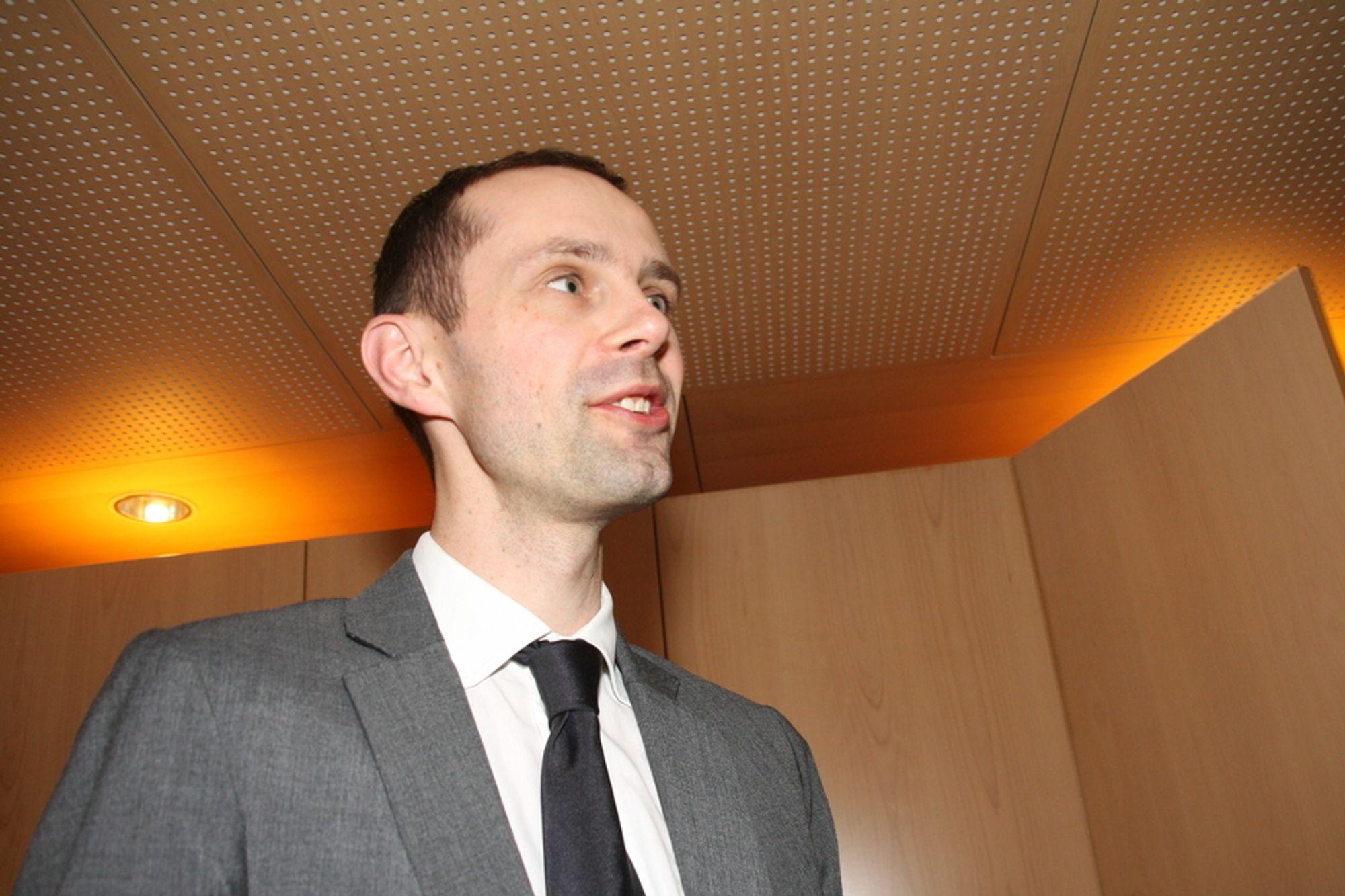 MANGE SPØRSMÅL: IKT-Norge og Hallstein Bjercke mener Høyres og Arbeiderpartiets DLD-enighet har mange løse tråder.