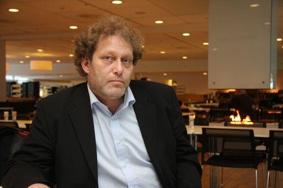 Fredric Hauge, Bellona-leder.