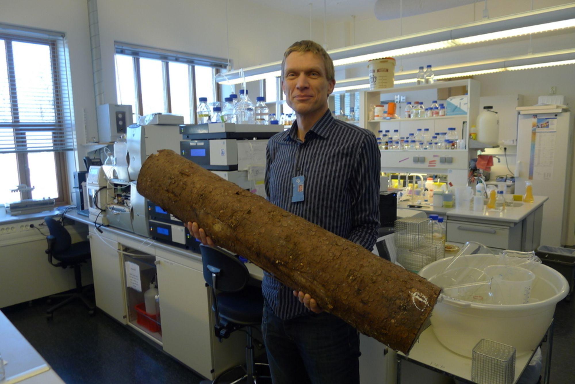MER LØNNSOMT: UMBs enzymoppdagelse kan gjøre produksjon av bioetanol langt mer lønnsomt, mener professor Vincent Eijsink, som leder forskningsteamet bak oppdagelsen.