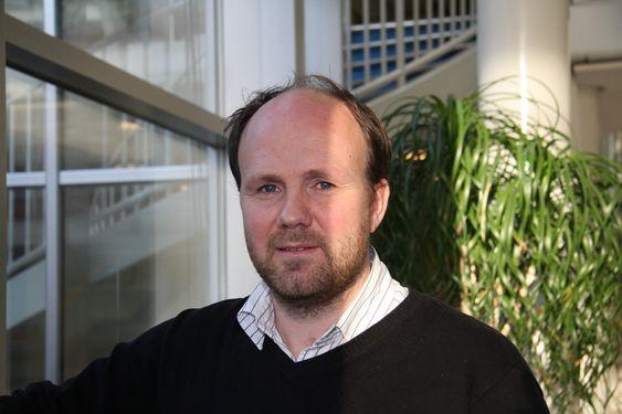 NYPLØYING: Prosjektleder Bjørn-Johan Vartdal fra DNVs forskningsavdeling leder Fellowship III. Viking Lady skal bli sjøens Prius, verdens første hybride offshorefartøy.